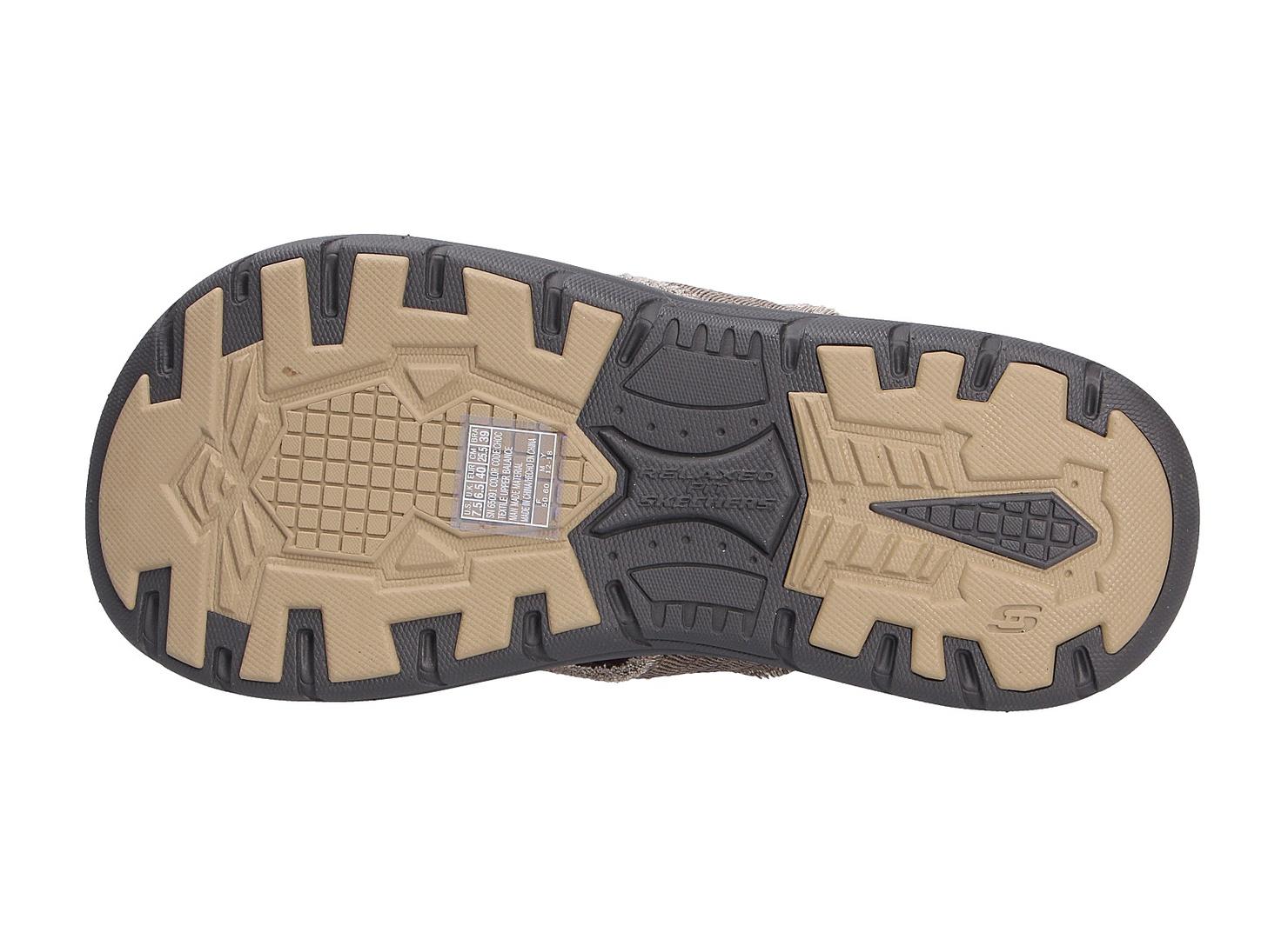 Skechers Stiefel braun Flexible Laufsohle Weicher Gehcomfort